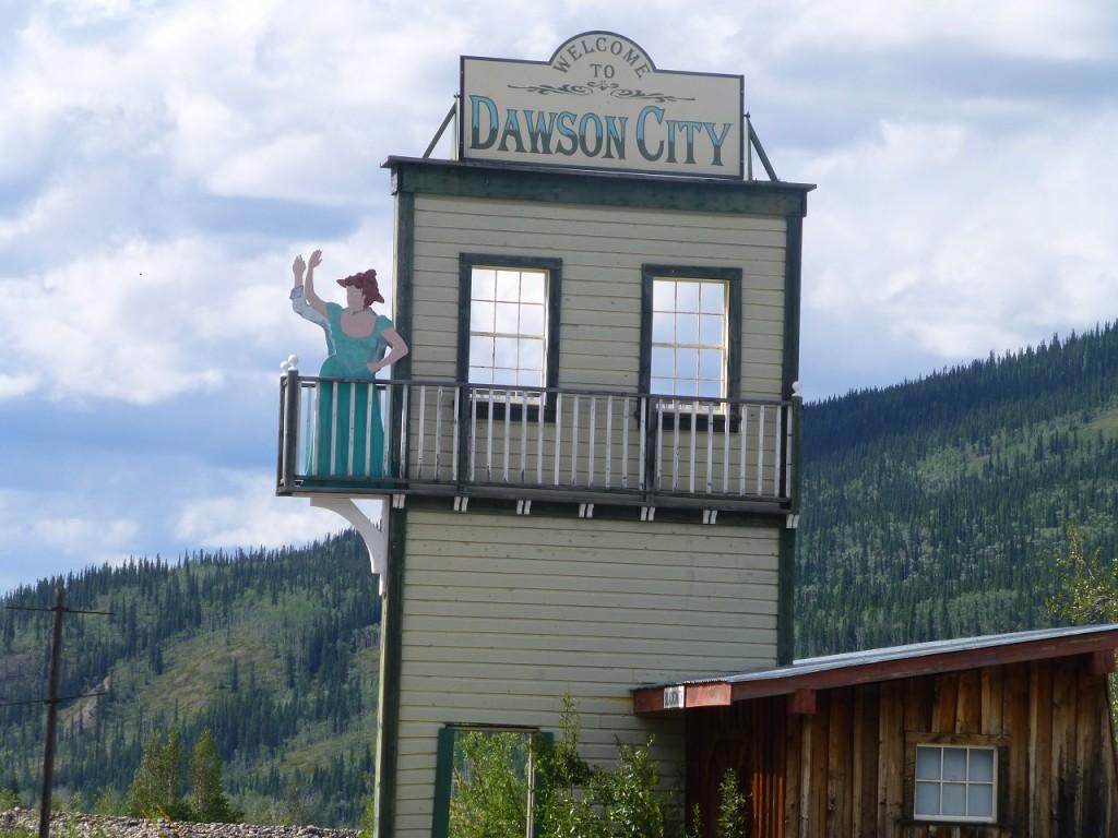 Begruessung vor Dawson City