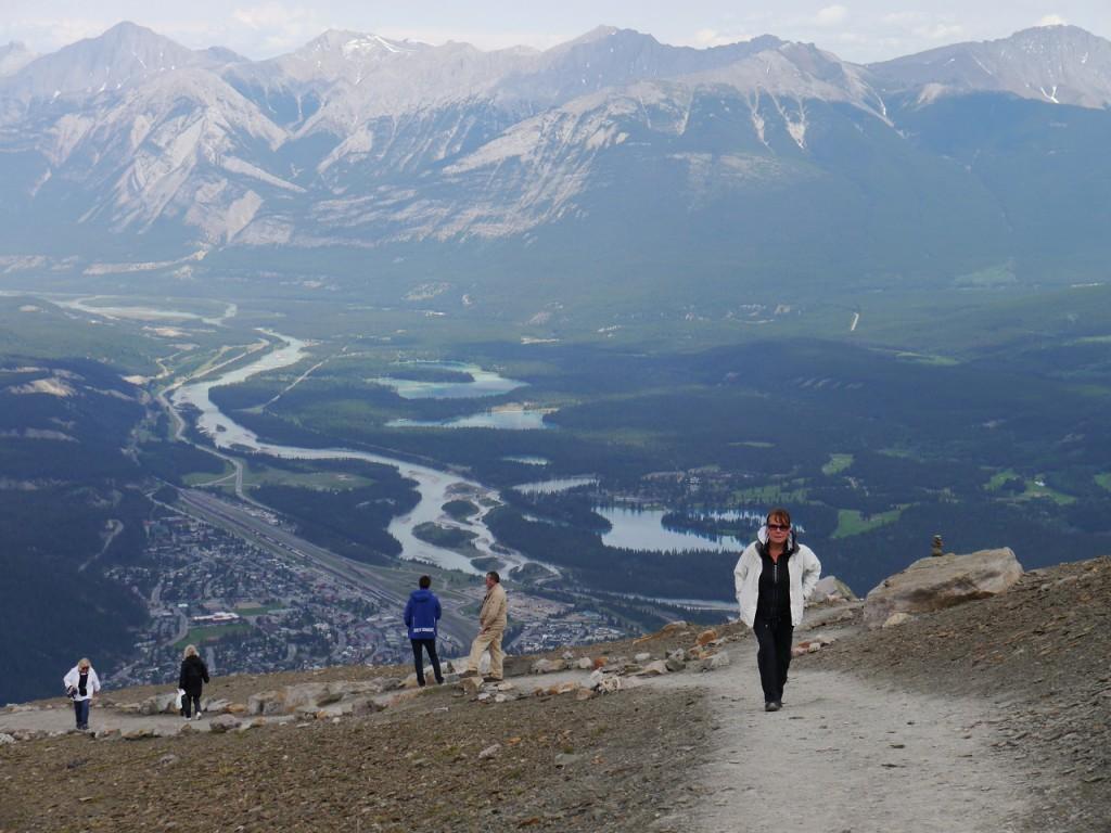 ... auf dem Weg von der Bergstation der Skytram zum Gipfel des Whistlers (2.464 m hoch)