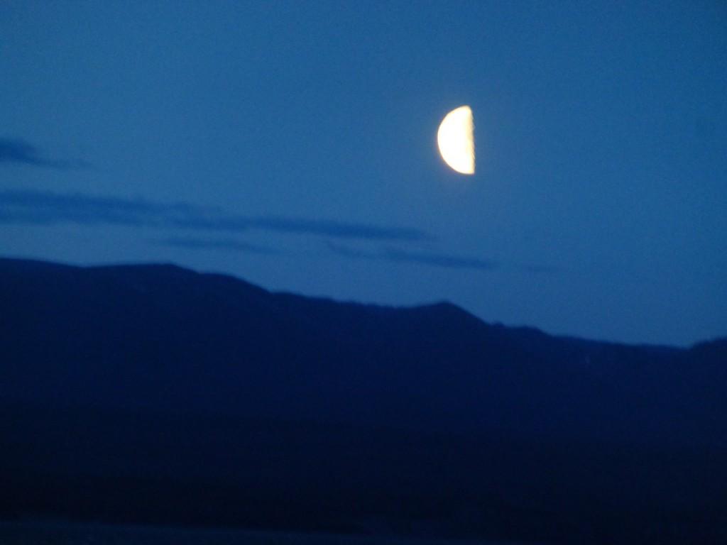 Uebernachtung auf dem Cottonwood RV Campground direkt am See, im am Fagnano See nahe Ushuaia. Inge konnte nicht schlafen und ist nachtgewandelt!