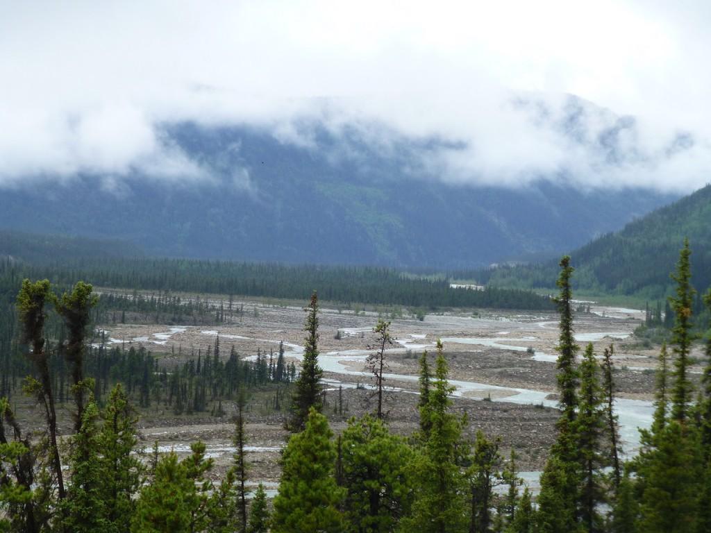 Unkontrollierte Flussbett kurz vor dem Summit Pass.
