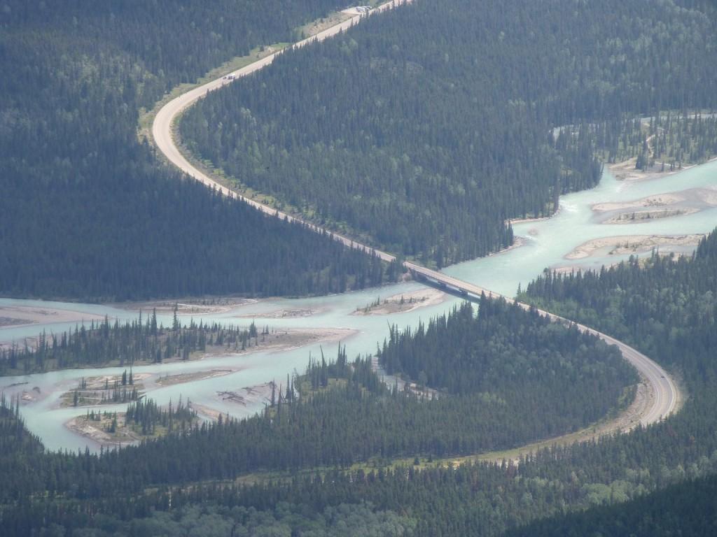 Athabasca River - er fliesst durch Jasper
