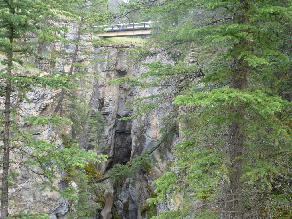Wanderung durch den Maligne Canyon