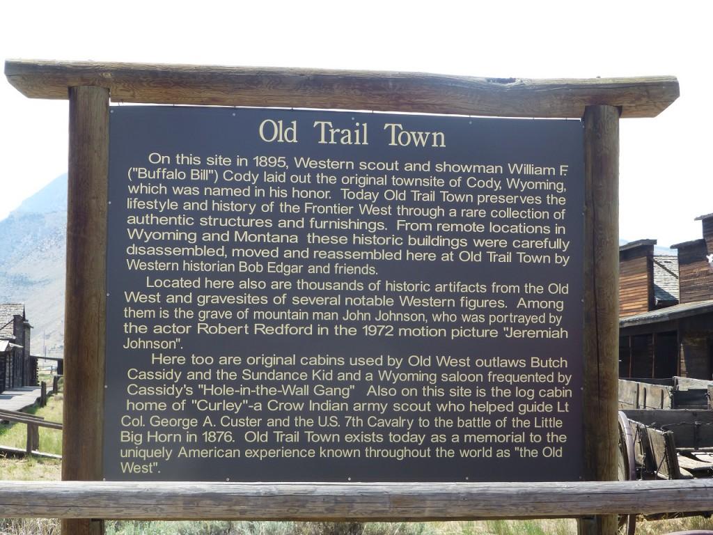 Nachdem wir in Cody auf de, Penderosa Platz eingecheckt hatten besuchten wir das OLD TRAIL TOWN und besorgten die Karten fuer das grosse RODEO Spektakel am Abend.