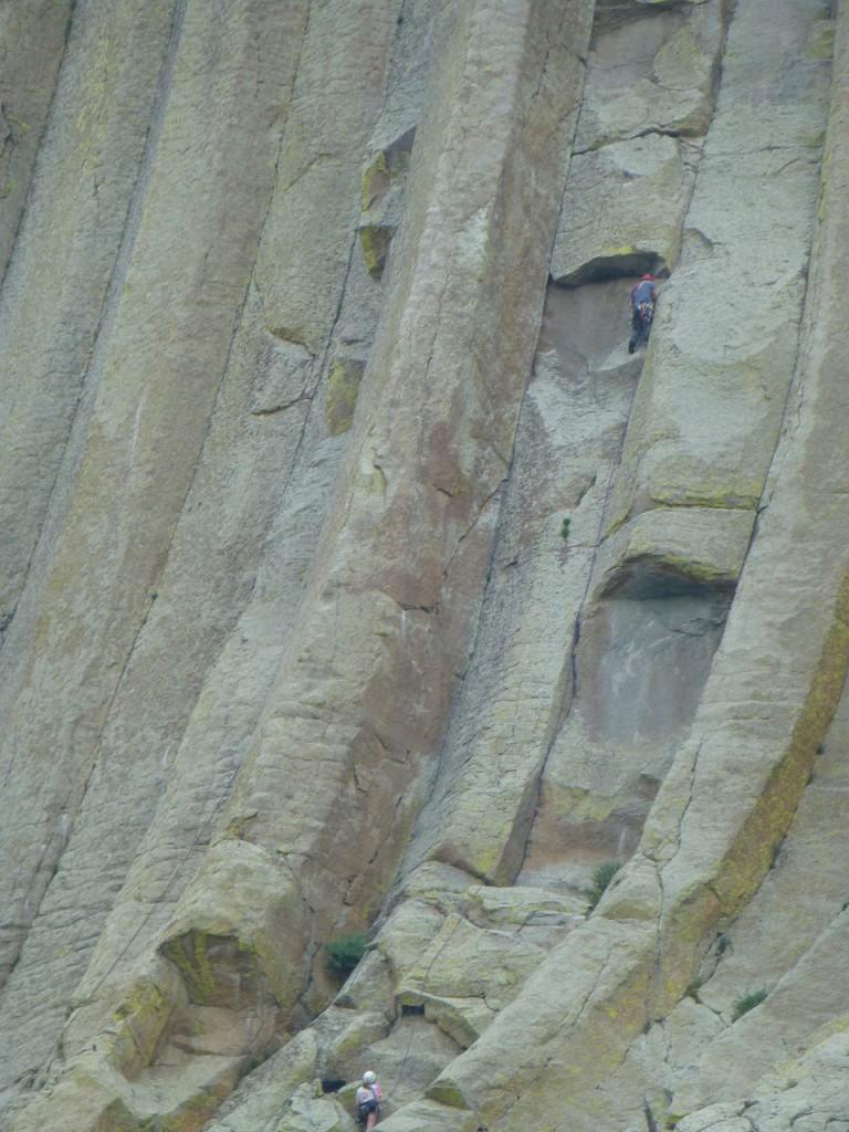 2 mutige climber im Fels.