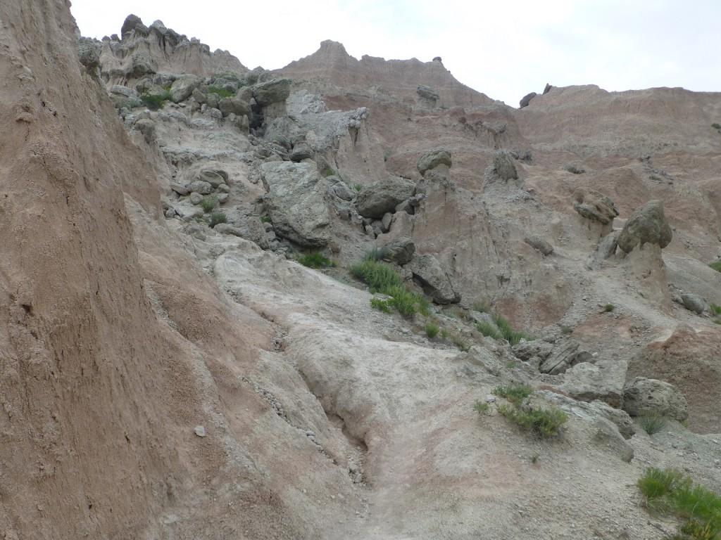 Der steile Weg ist nicht ungefaehlich!