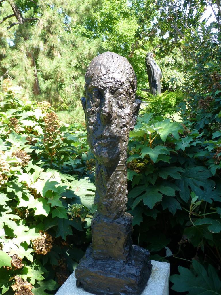 ...diese Skulptur ist nun von Giacometti