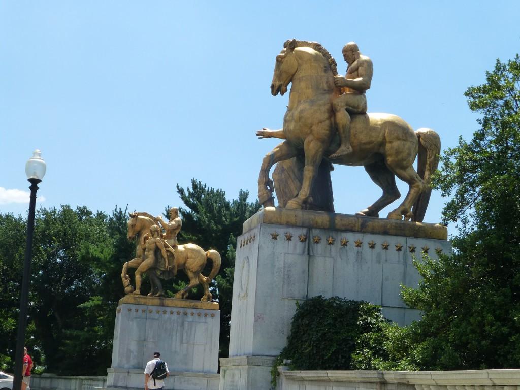 Schweisstreibender Marsch über den Ptomac zum Arlington Friedhof