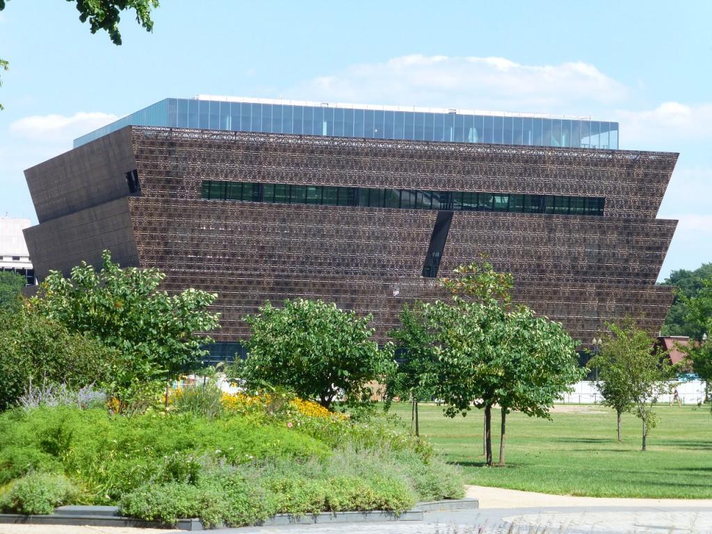 Ein besonderes Gebäude! Ringsrum noch Baustelle, wird aber sicher auch ein Museum!