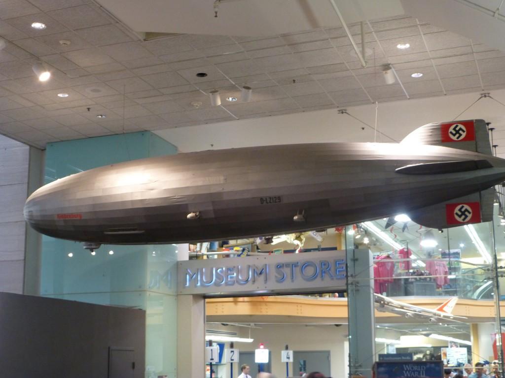 Der Zeppelin über New York!