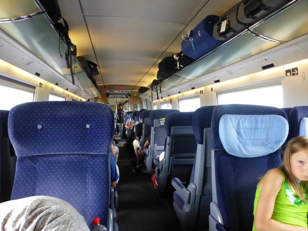 den Zug haben wir in letzter Minute gerade noch erreicht und unsere Tochter Alexandra mit Enkel Joana hat uns in Basel in die Arme genommen und nach Schopfheim gefahren.